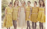 Black And Yellow Dress Uk 5 Background Wallpaper
