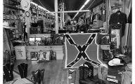Black & White Shop 3 High Resolution Wallpaper