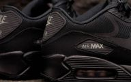 Black And Silver Air Max  4 Wide Wallpaper