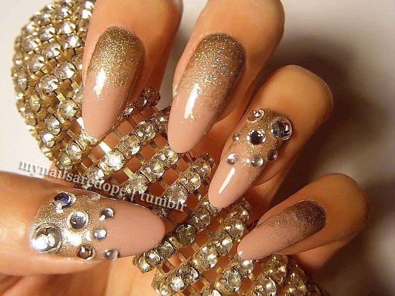 Black And Gold Nails 7 Free Hd Wallpaper - Hdblackwallpaper.com