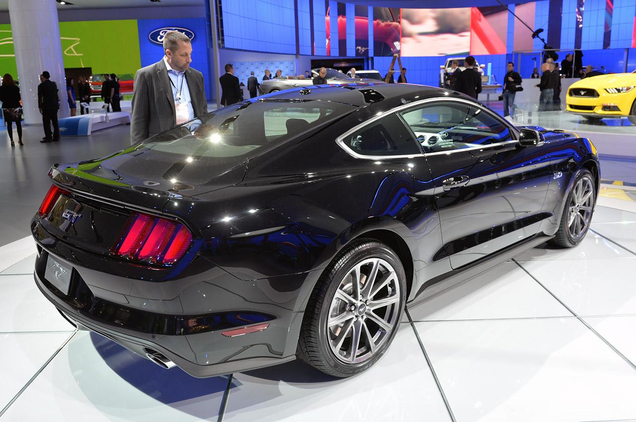 Black Ford Mustang 21 Widescreen Wallpaper