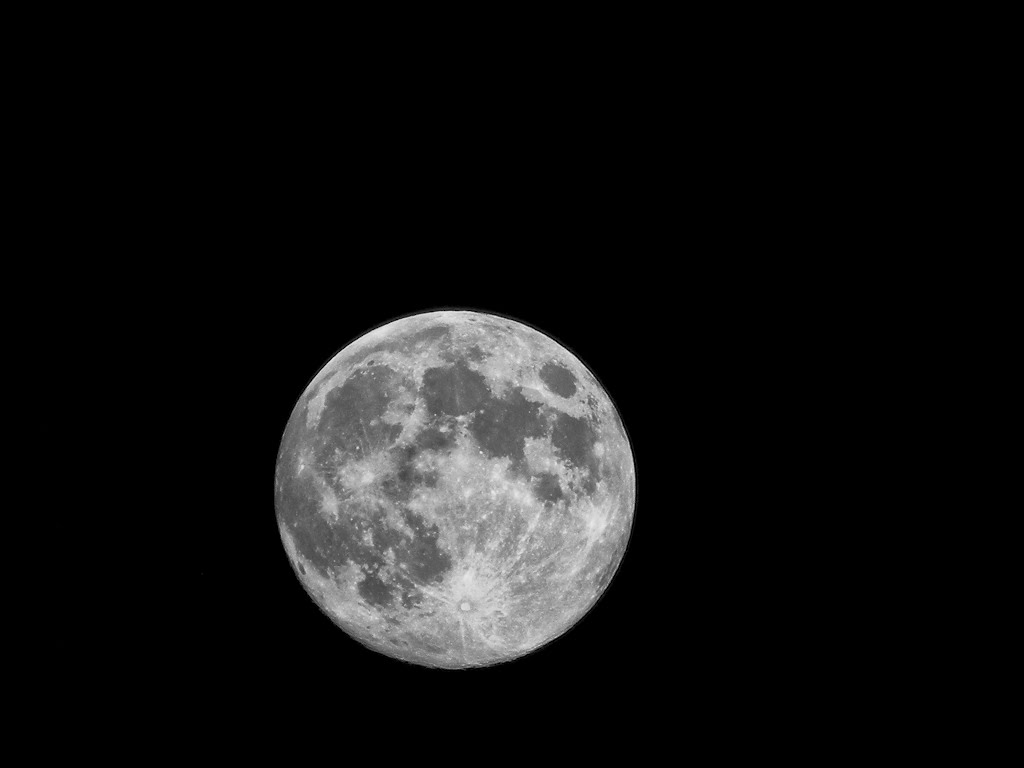 Black And White Moon  30 Cool Hd Wallpaper