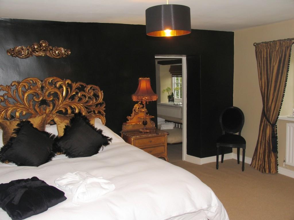 Black And Gold Colors 7 Hd Wallpaper Hdblackwallpaper Com
